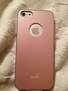 And the back of my pretty pink moshi case!